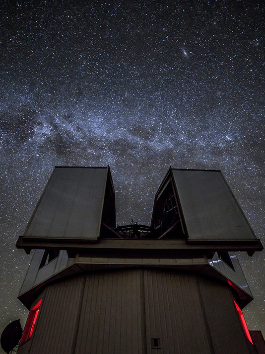 636618983867462450-Milky-Way-seen-above-the-Discovery-Channel-Telescope.png