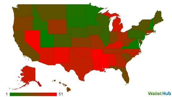 Red is bad, green is good in WalletHub financial literacy map.