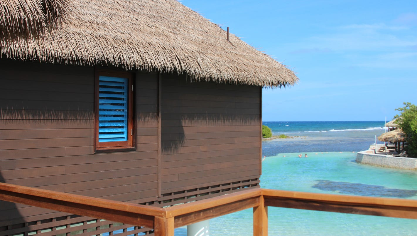 jamaica 39 s sweet lodgings over the water atop the sea. Black Bedroom Furniture Sets. Home Design Ideas