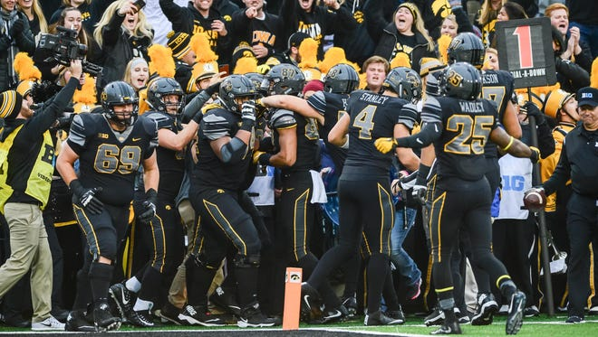 Iowa tight end Noah Fant (87) celebrates his second touchdown reception in the Hawkeyes' blowout win against Ohio State.