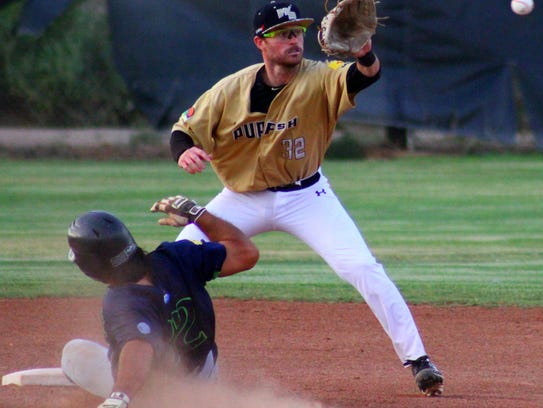 White Sands shortstop Aaron Sheaks tries to attempt