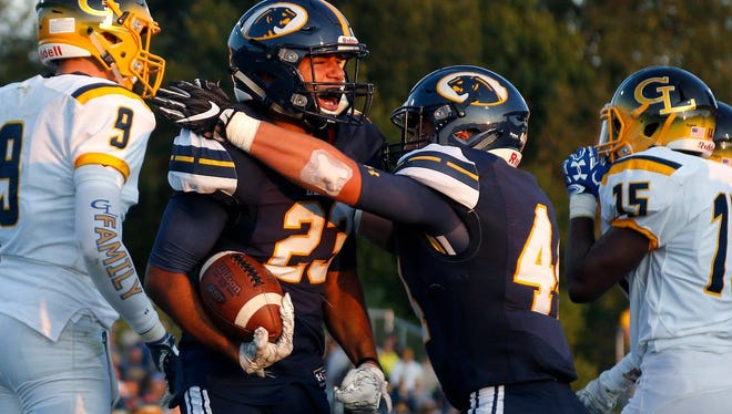 Darron Weber Jr. (23) and DeWitt are No. 9 in the latest Division 3 rankings.