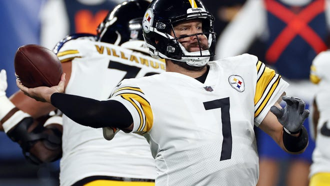 Pittsburgh Steelers quarterback Ben Roethlisberger (7) throws a pass against the New York Giants on Monday, Sept. 14, 2020, in East Rutherford, N.J.