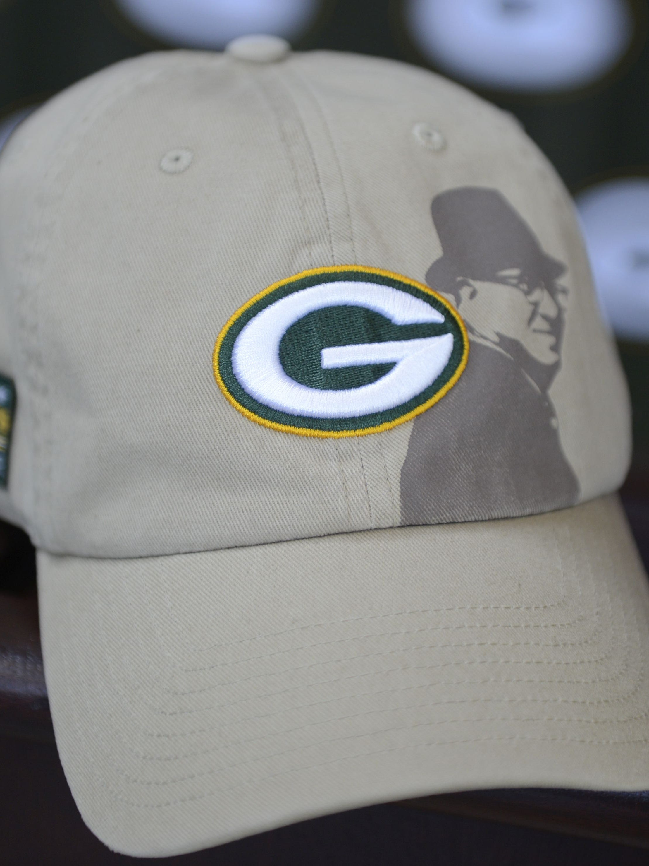 Packers Tackle Cancer Awareness