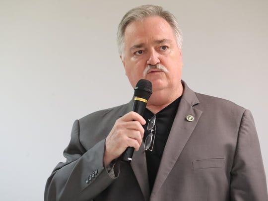 Robert Peay Jr.