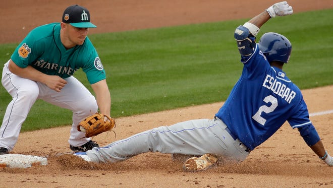 Seattle Mariners third baseman Kyle Seager is working on his footwork to help eliminate errors.