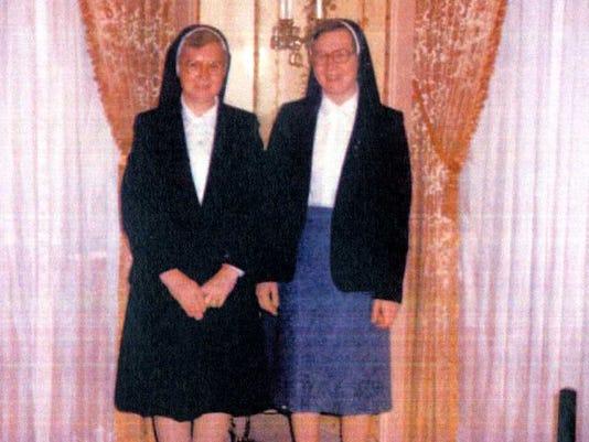 1005 Kearney Sisters005.jpg