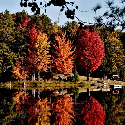 Michigan's fall color show closes quickly this year