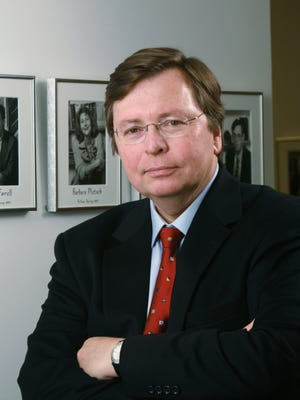 The investigative journalist Charles Lewis is the founder of the Center for Public Integrity.
