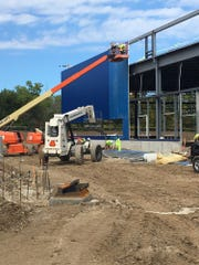 IKEA, the world's leading home furnishings retailer, today announced steel framing has progressed far enough that installation of the iconic blue composite panels has begun on its future Milwaukee-area store.  Installing the blue panels is a construction milestone keeping the store on track to open Summer 2018.