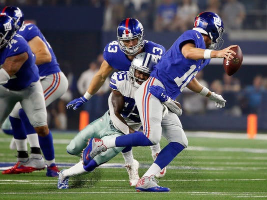 Giants_Cowboys_Football_79424.jpg