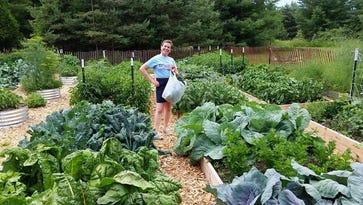 Marysville couple run global gardening site