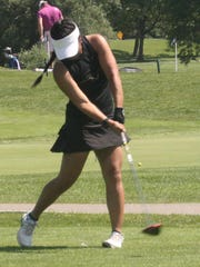 Franklin's Sofia Cueva rips a drive during a tournament