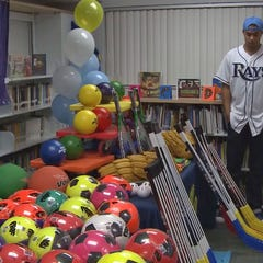Chris Archer surprises Melrose Elementary students