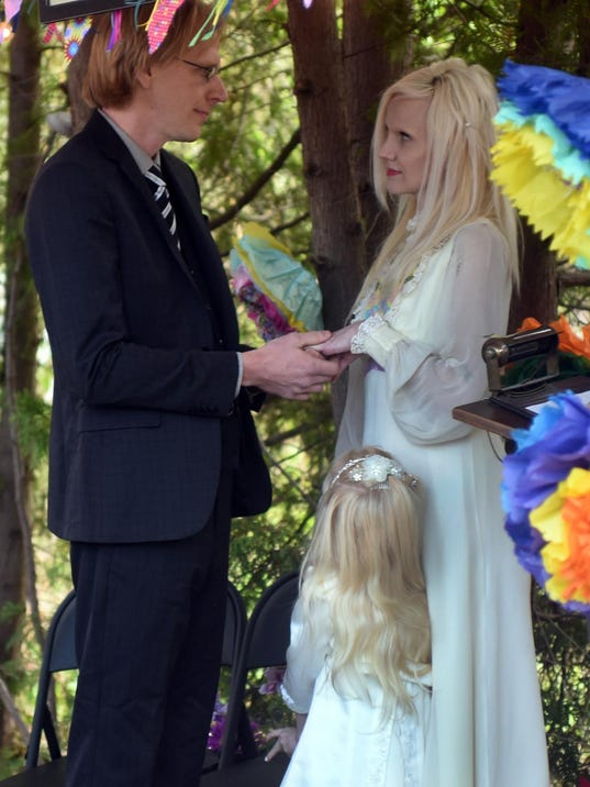-DCA 0603 link wedding 3.jpg_20150601.jpg