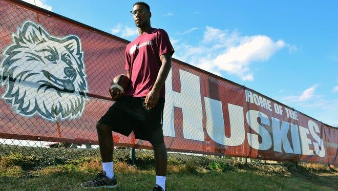 (SPORTS)             09/26/16            Matawan, NJ Matawan Regional High School senior running back Derrick Wiley. Frank Galipo/Correspondent ASB 0928 FB Offensive Game Ball A