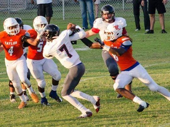 Taylor County's Tremont Sellers blocked a 45-yard kick by Florida High with four seconds left to help the Bulldogs win a district title.