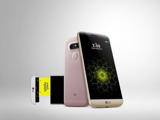 LG's G5 phone has an always-on feature. (Photo: LG)