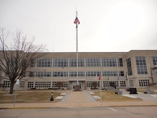 WRTBrd_04-24-2014_Tribune_1_A001~~2014~04~23~IMG_wc_courthouse_for_tr_1_1_TR.jpg