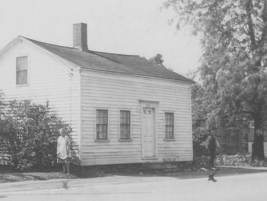 Pioneer House 1940 (2).jpg