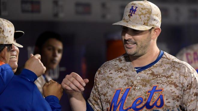 Mets starter Matt Harvey dominated the St. Louis Cardinals through eight innings Monday night.