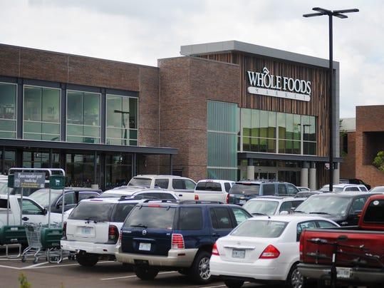 -TCL Whole Foods parking 01.jpg_20140422.jpg