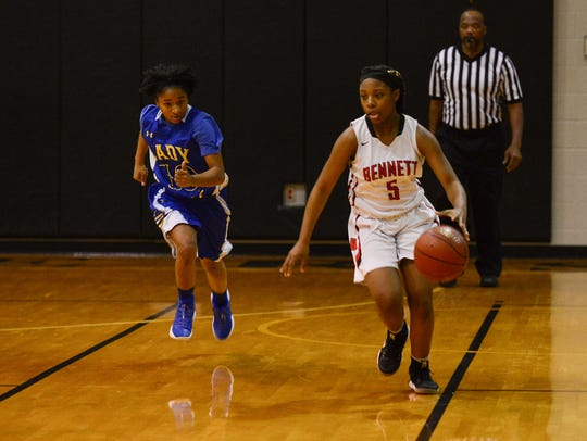 Bennett's Zy'Aire Smullen brings the ball down the