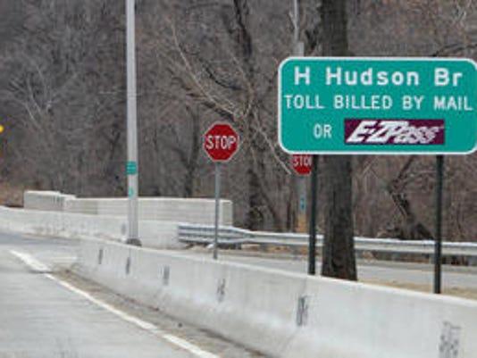Henry Hudson Bridge toll sign