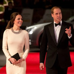 Duchess Kate: Back to work in style