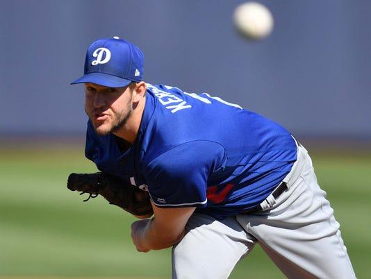 USP MLB: SPRING TRAINING-LOS ANGELES DODGERS AT SE S BBA SEA LAD USA AZ