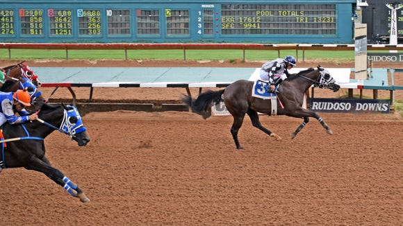 Shakem Bye Perry earns top qualifying time for All American Futurity on Friday in first day of trials