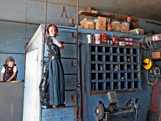 Jill Brody was shown around Eagle Creek one day in July 2008, accompanied the entire time by enthusiastic children who took advantage of the presence of strangers to climb around in the machine shop. In general, children have the run of the colony and are trusted to behave in safe and sensible ways.