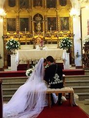 Anahí contrajo matrimonio con Manuel Velasco, gobernador