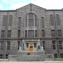 Allouez teams with architect, St. Norbert College in effort to show prison needs to move