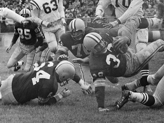 Green Bay tackle Norm Masters (78) paves the way for