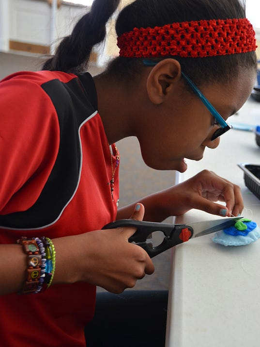 Girls Stem Camp Offers Hands On Learning