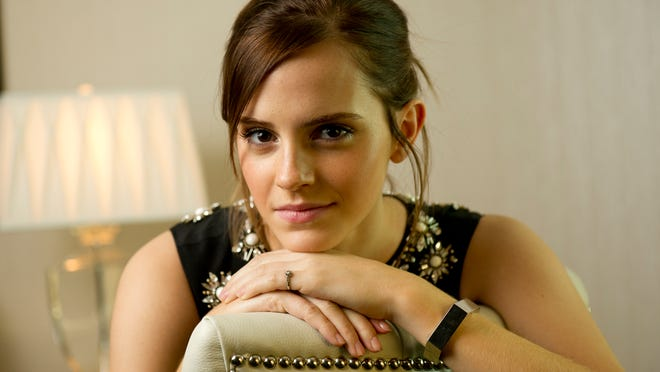 """9/9/12 11:03:35 AM -- Toronto  -- Emma Watson, she of Harry Potter fame, is in a new movie, """"The Perks of Being a Wallflower."""" --    Photo by Robert Hanashiro, USA TODAY Staff  ORG XMIT: RH 42359 EMMA WATSON 9/9/2012 [Via MerlinFTP Drop]"""