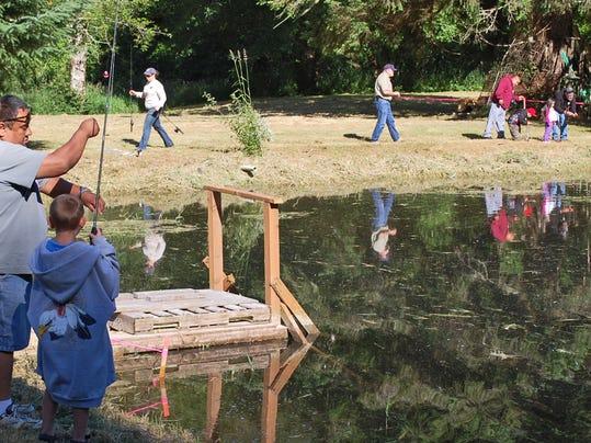 SAL0711-Youth fishing