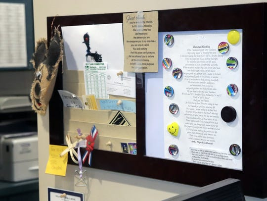 A piece of paper hanging up in the office space of a Knox County Health Department employee has a poem about God. Knox County Mayor Tim Burchett has declined to have the employee take it down after a complaint from the Freedom from Religion Foundation.
