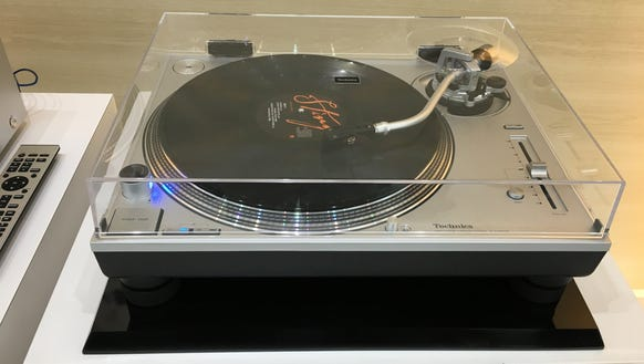 The Technics Grand Class turntable system.