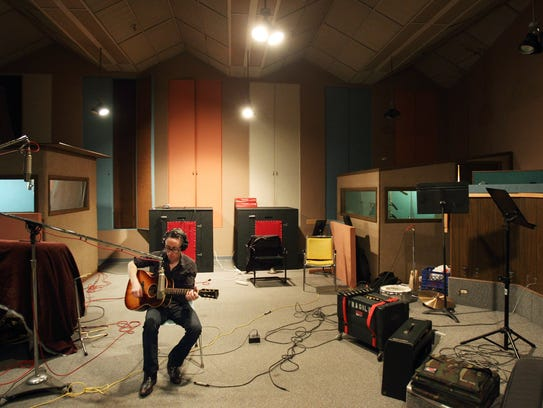Memphis musician John Paul Keith works at Sam Phillips Recording.