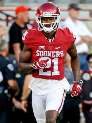 Sep 17, 2016; Norman, OK, USA; Oklahoma Sooners safety Will Sunderland (21) against the Ohio State Buckeyes at Gaylord Family - Oklahoma Memorial Stadium. Mandatory Credit: Kevin Jairaj-USA TODAY Sports