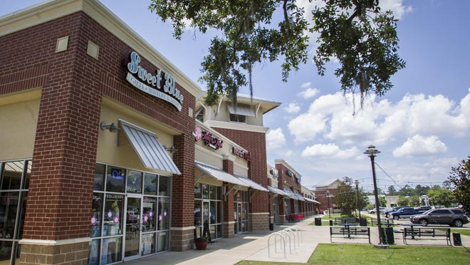 Bannerman Crossing Shopping Center