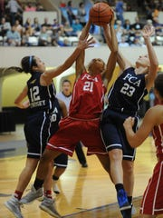 The North's Baylie Lindsey (12) of Sweetwater and Taylor