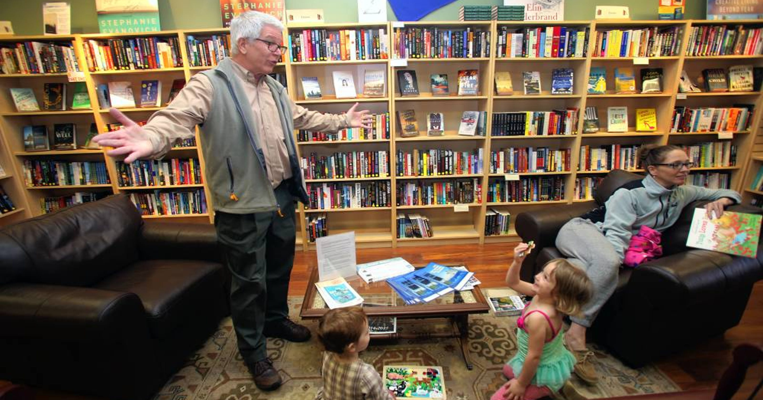 Well Loved Hawthorne Bookstore Calling It Quits