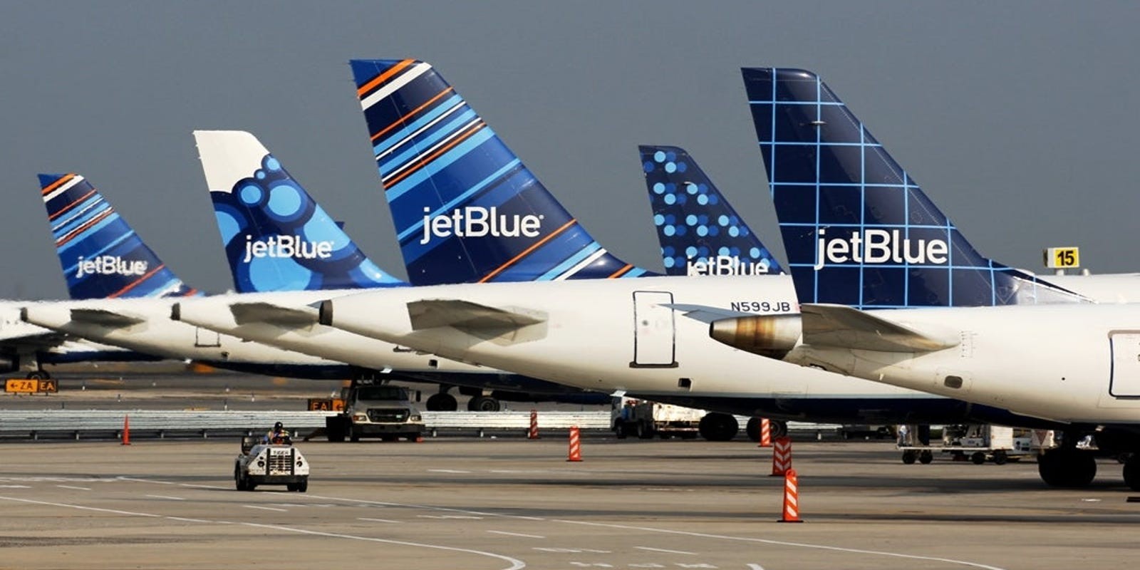JetBlue's cheapest tickets are getting cheaper but will come with a major catch: no carry-on bag allowed - USA TODAY