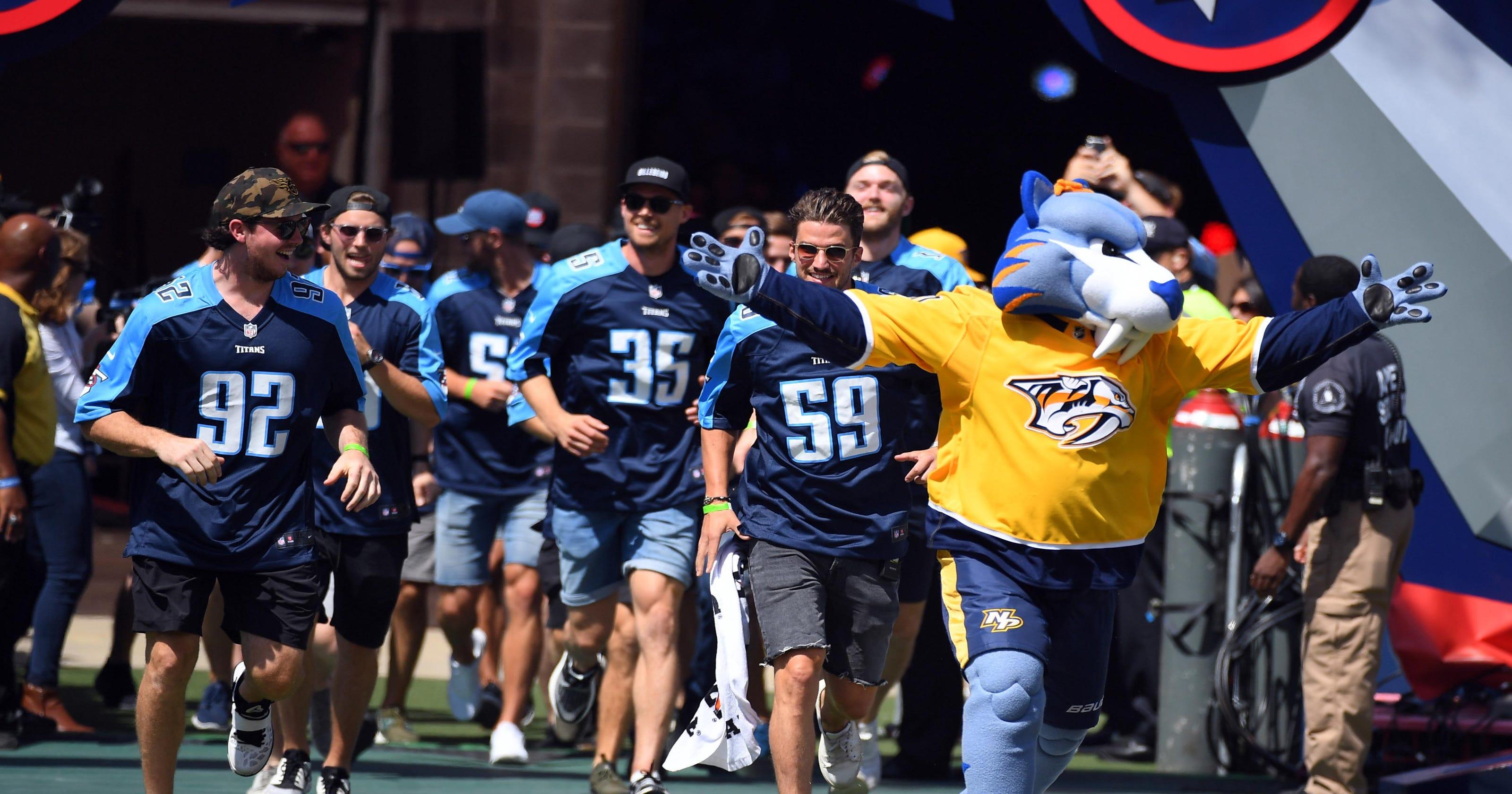 Will Predators cheer on Titans during 'Monday Night Football'?