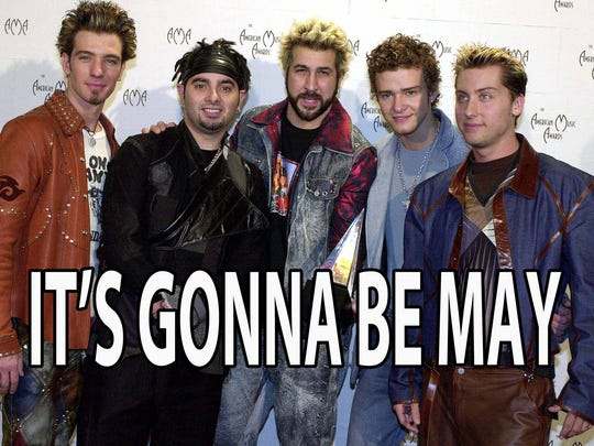 LOS ANGELES, UNITED STATES:  (L to R)  J.C. Chasez, Chris Kirkpatrick, Joey Fatone, Justin Timberlake, Lance Bass of the group 'N Sync, pose with their award for Internet Artist of the Year at the 28th Annual American Music Awards 08 January 2001 in Los Angeles, CA.  AFP PHOTO/Lucy NICHOLSON (Photo credit should read LUCY NICHOLSON/AFP/Getty Images)