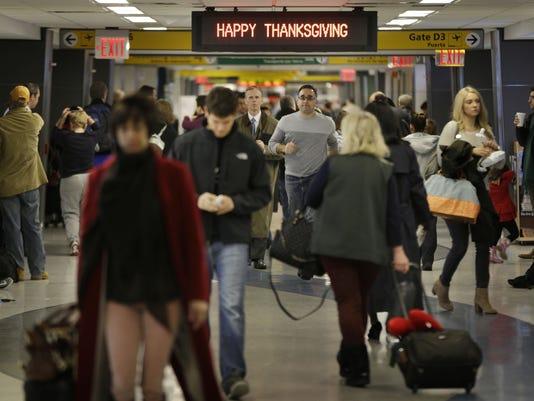 AP HOLIDAY TRAVEL A USA NY
