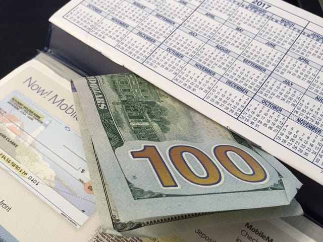 A $100 bonus for a new checking account can be costly